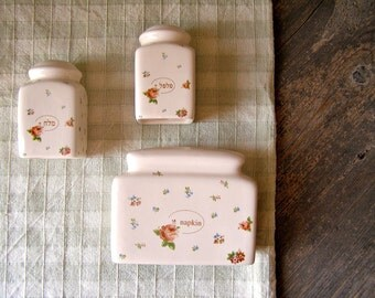 Floral Salt and pepper shakers, Napkin holder, Vintage shabby Chic , hostess gift, Retro kitsch  tableware, Retro kitchen