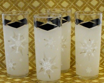 Mid Century Set of Four Elegant Frosted Christmas Snowflake 14 oz Drinking Glasses Black Diamond Mad Men Design