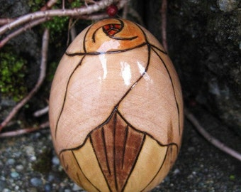 "Trillium Flower Blossom with Light Leaves Pyrography Woodburning 2.5"" Maple Wood Egg"