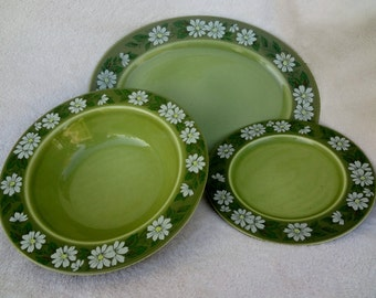 Vintage Taylor, Smith & Taylor Ironstone Daisy Dinnerware