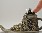 Working Butane Novelty Ski or Snow Shoe Table Lighter Make Me An Offer