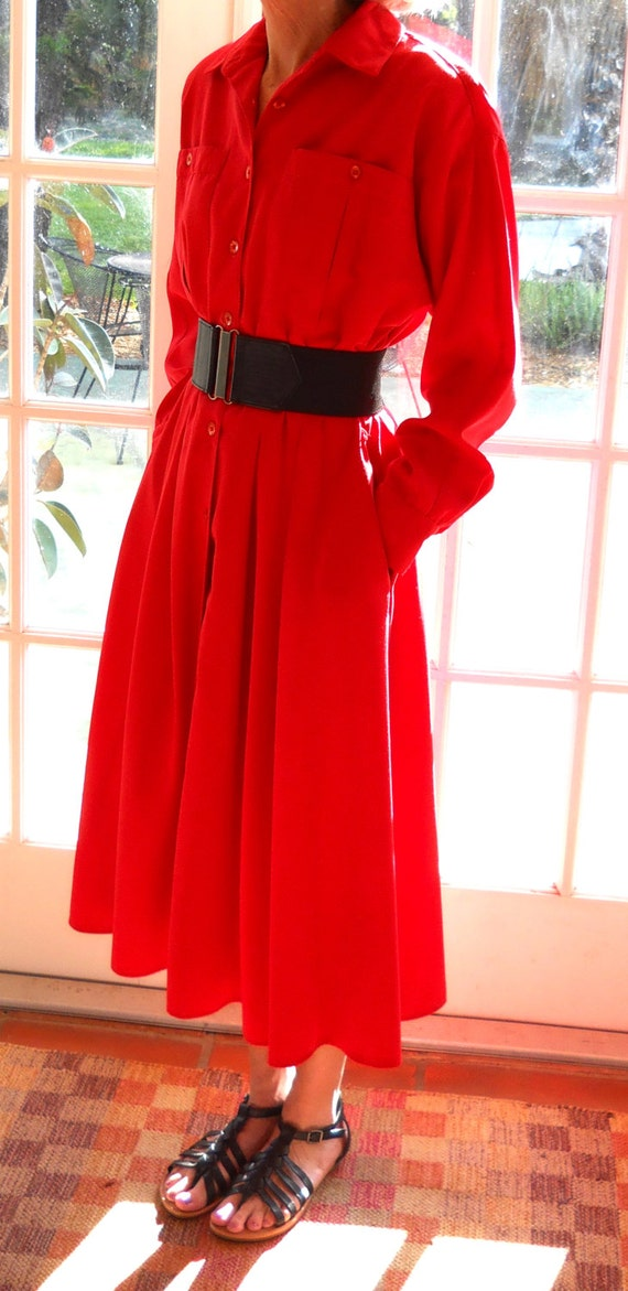 Vintage brilliant red long shirtwaist dress from 1980s - Size 10