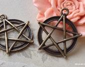 31 x 28 mm Antiqued Bronze Star Shape Charm Pendants (.ti)