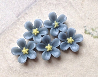 13 mm Grey Colour Water Melon Resin Flower Cabochons (.ss).