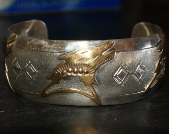 NAVAJO WOLF FETISH Effigy Sterling Cuff Signed c1990