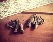 2-Elephant Charms Antique Bronze Vintage Style Pendant Charm Jewelry Supplies African Large Elephant, Zoo Animals, Wild (Q009)