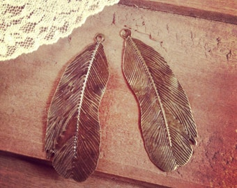 6 - Feather Charms, Antique Bronze, Feather Pendant, Vintage Jewelry Supplies Bird (BB122)