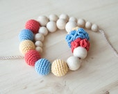 Nursing necklace / Teething necklace / Crochet nursing necklace - Coral, Blue, Light yellow - Necklace with flowers