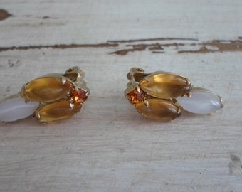 Gorgeous Pair of Amber and Milk Glass Rhinestone Gold Tone Earrings Mid Century Art Deco Jewelry