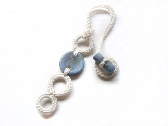 Crochet necklace pendant / White and light blue fiber necklace ceramic pendant / Beach / Summer crochet jewelry / Linen silk fiber necklace