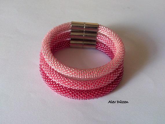 3 rosa bead crochet armb nder perlen h keln armband pink. Black Bedroom Furniture Sets. Home Design Ideas