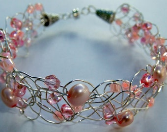 Pink Freshwater Pearl and Crystal Bracelet