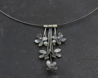 Flower & Pearl Pendant