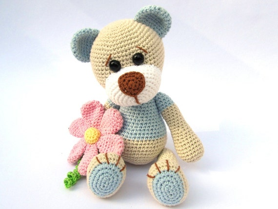 Amigurumi Animals For Beginners : Teddy with Flower Amigurumi Crochet Pattern / PDF e-Book