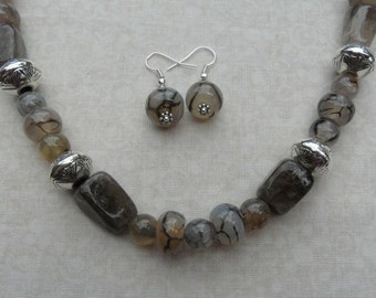 22 Inch Chunky Black and White Agate and Smoky Quartz Necklace with Earrings