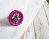 Vintage style retro upcycled button ring