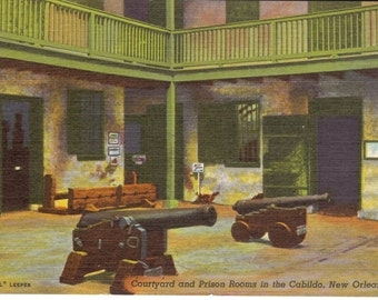 Vintage Postcard, New Orleans, La., Courtyard and Prison Rooms in the Cabildo, Unused....no.1076