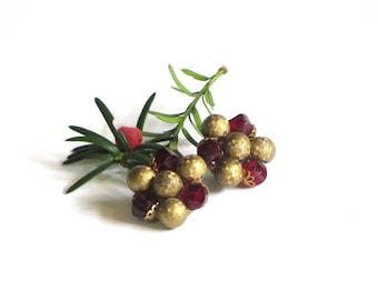Vintage Cranberry and Brass Cluster Earrings Burgundy Basketweave Holiday Clip On Western Germany