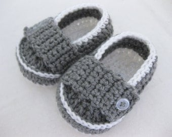 Baby Boy Booties - White & Grey - YOUR choice size - (newborn - 12 months) - photo prop - children