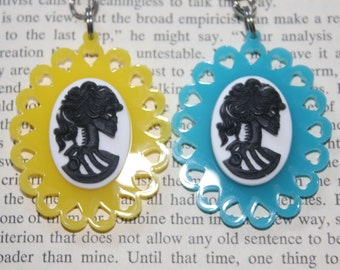 SALE! Set of 2 - BEST FRIENDS Blue & Yellow Skull Lady Heart Cameo Keychains