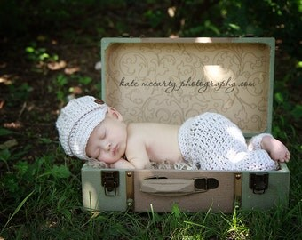 Newborn Boy Pants and Hat Newsboy Cap Set - Photo Prop - Knitted / Crochet - Oatmeal / Ivory / Cream