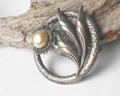 Beautiful Sterling Silver Brooch, Vintage Brooch, Hammered Silver & Pearl Flower Brooch, Bridal Jewelry