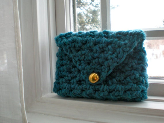 PATTERN:  Clutch Purse, wallet, Easy Crochet P D F, chunky yarn with button closure, 2 sizes, InStAnT DoWnLoAd, PERMISSION to SELL