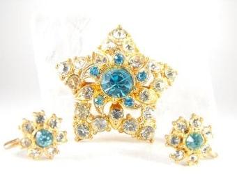 Lovely Star Brooch Matching Earrings Vintage Rhinestone Demi Parure
