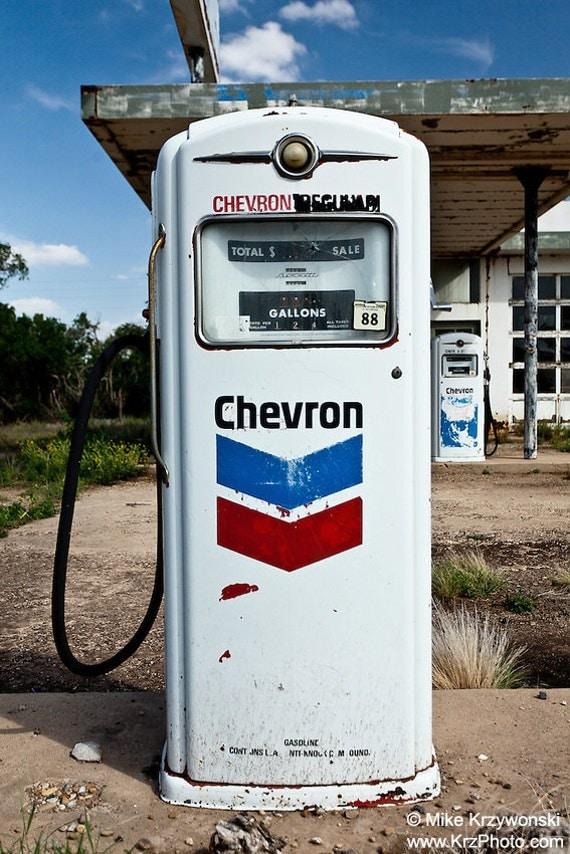 Photo of an Old Historic Abandoned Chevron Gas Pump in Nara Visa, New Mexico