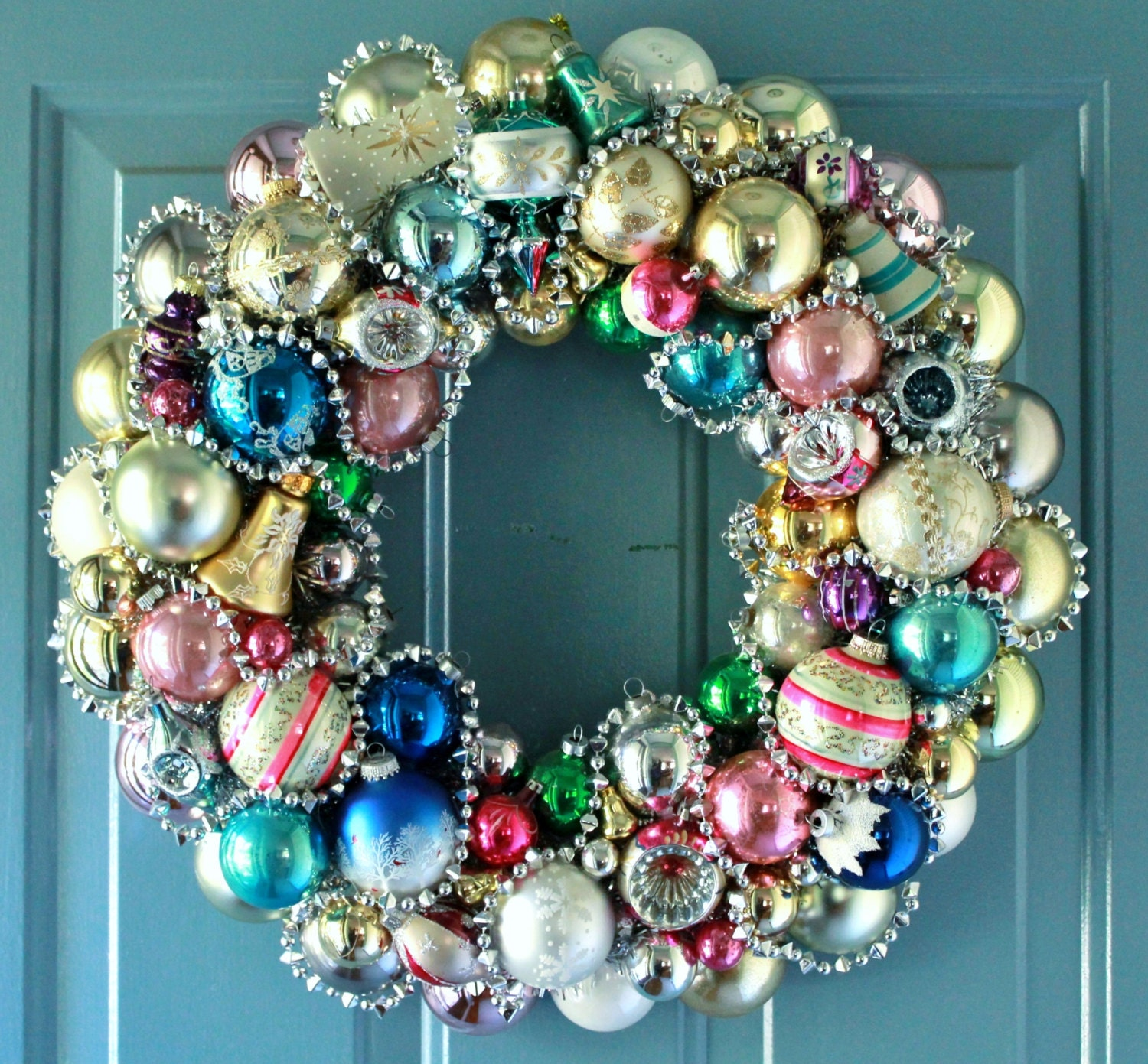 Christmas Wreath Vintage Ornaments