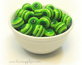 St. Patrick's Day Chunky Beads - Striped 20mm Chunky Beads - Green STRIPE - Set of 10 - Round Resin Bubblegum / Gumball Necklace Beads