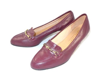 Signature dark red leather Etienne Aigner loafer pumps / career / made in Italy - 5.5 6 M B gold horsebit trim shoes