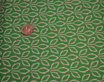 Timeless Treasures fabric White Leaves on Green