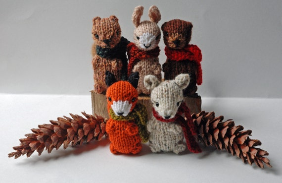 Small Knitted Woodland Animals - Autumn in the Forest