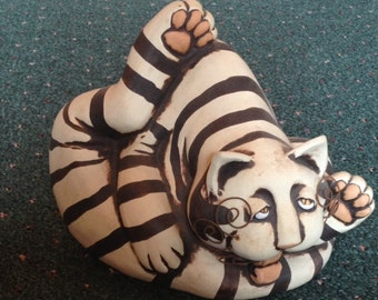 Fantastic Hand Made & Signed Ceramic Unashamed Kitty Sculpture