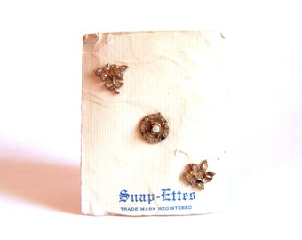 snap-ettes miniature vintage pin set - lot of three tiny little cute gold-tone signed tacks brooches on card - sparkly rhinestone jewelry