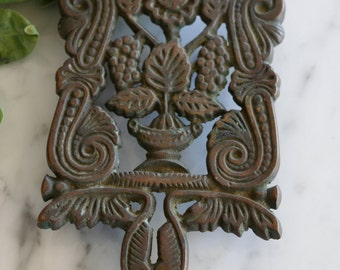 Antique Cast Iron Floral Trivet Williamsburg VA