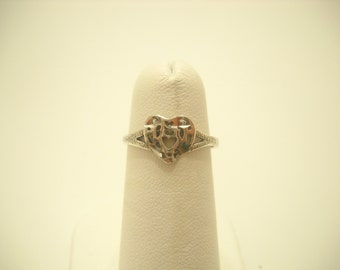 Tiny Sterling Heart Ring (2703) Size 6 1/2