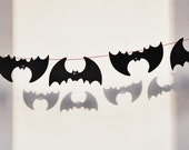 Wooden black bat garland Halloween funny decorations outdoor decor wooden bats autumn October spooky scary creepy fall trends