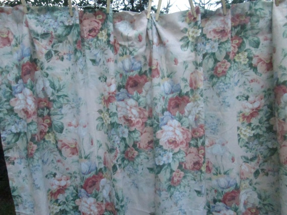 Vintage shabby chic floral curtains - Shabby chic curtain poles ...