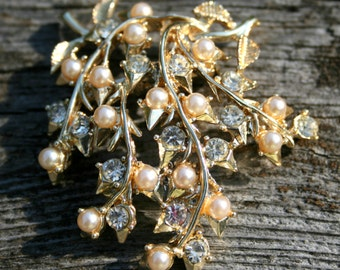 Vintage Coro pearl and rhinestone brooch - Reduced Price!!!
