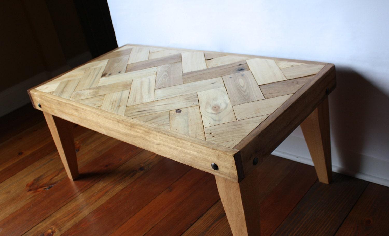 rustic pallet coffee table herringbone design chevron. Black Bedroom Furniture Sets. Home Design Ideas