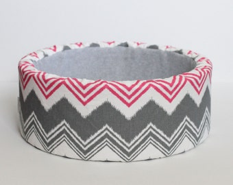 "14"" Self Warming Cat Bed, Pink & Grey Ikat Print"