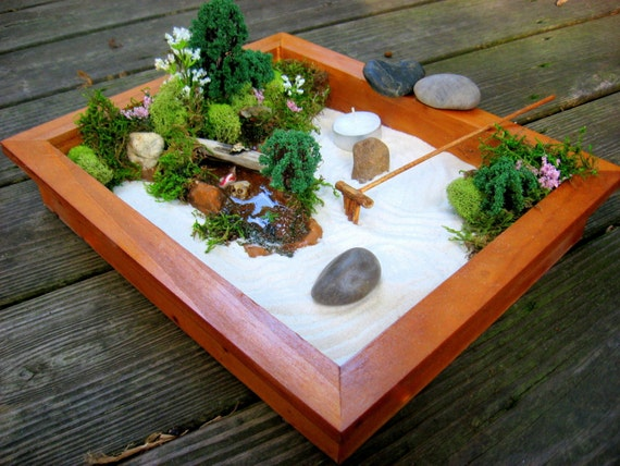 Deluxe miniature zen garden for Mini zen garden designs
