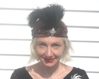 1920s Art Deco velvet turban with ostridge feathers
