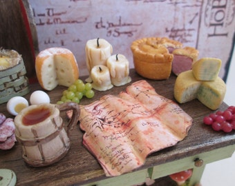 The Hobbit  Miniature Dinner Table with the Dwarves