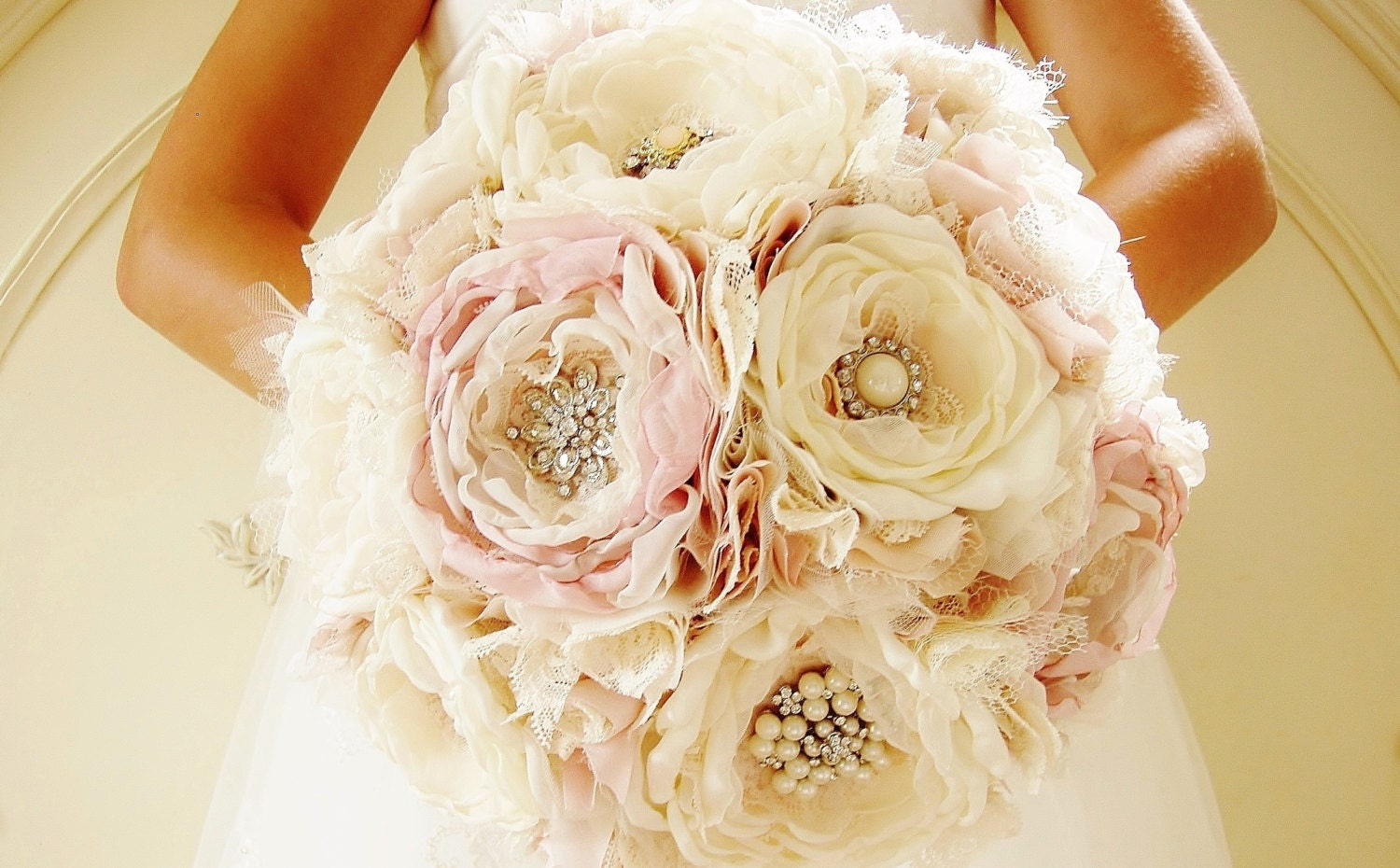 Flower And Brooch Wedding Bouquet | Wedding Tips and Inspiration