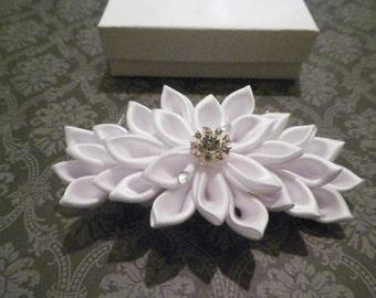 White Kanzashi Flower Bridal  Hair Comb