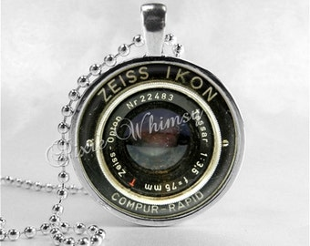 VINTAGE CAMERA LENS Necklace, Antique Camera, Photographer Jewelry, Glass Photo Art Necklace, Photography Necklace, Vintage Camera