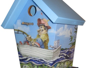 Birdhouse Catching the big one..
